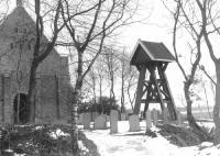 Nieuweschoot NH kerk met klokkenstoel 1980