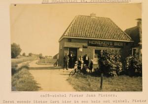 cafe winkel Pieters aan de Holkemawijk